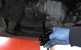 Из-за чего масло в двигателе быстро чернеет?