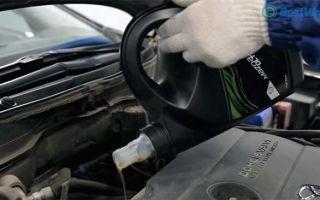 Как часто менять масло в двигателе – основные моменты