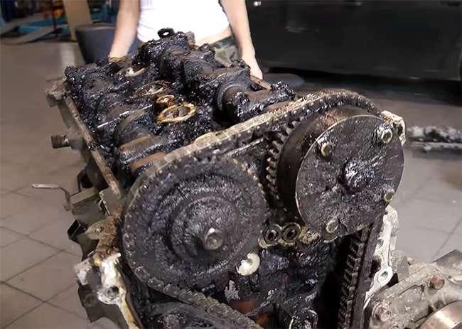нагар и сгустки моторного масла в моторе