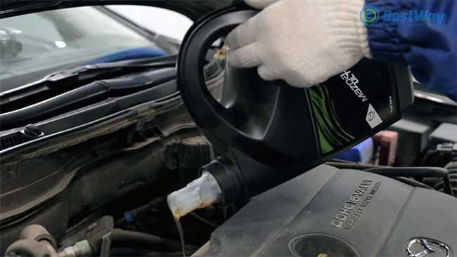 меняем масло в автомобиле