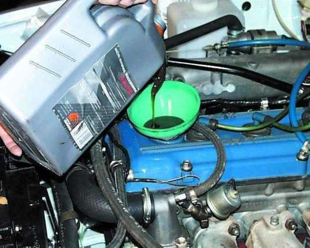 Замена масла в двигателе КАМАЗа