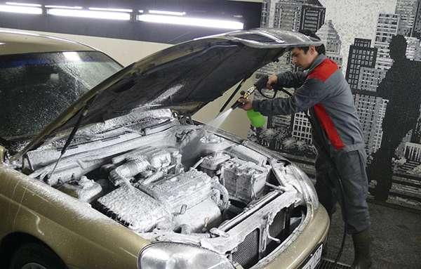 Нанесение химии на двигатель