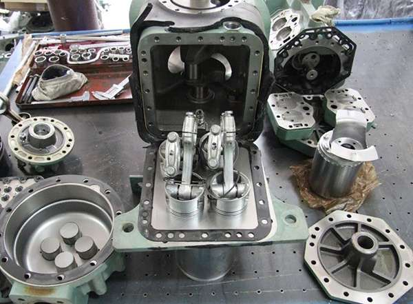 чистые детали компрессора после использования Rarus 425