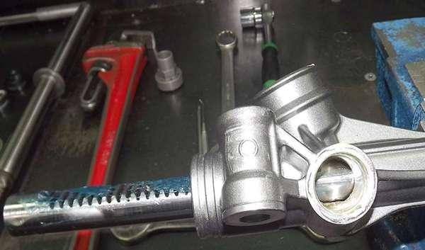 рулевая рейка смазана литиевым составом