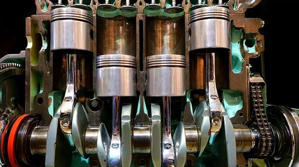 работа поршневой системы двигателя