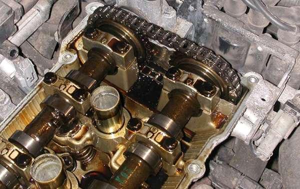 шлам в двигателе от масла